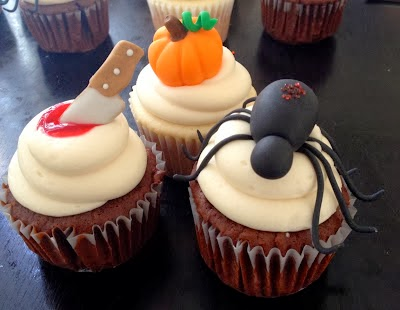elegant Halloween cupcake decorations