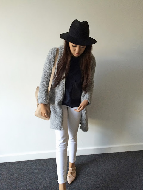 Liverpool fashion blog, Liverpool style blog, Zara loop knit coat, Topshop black hat, Zara sparkly pumps, white jeans outfit inspiration