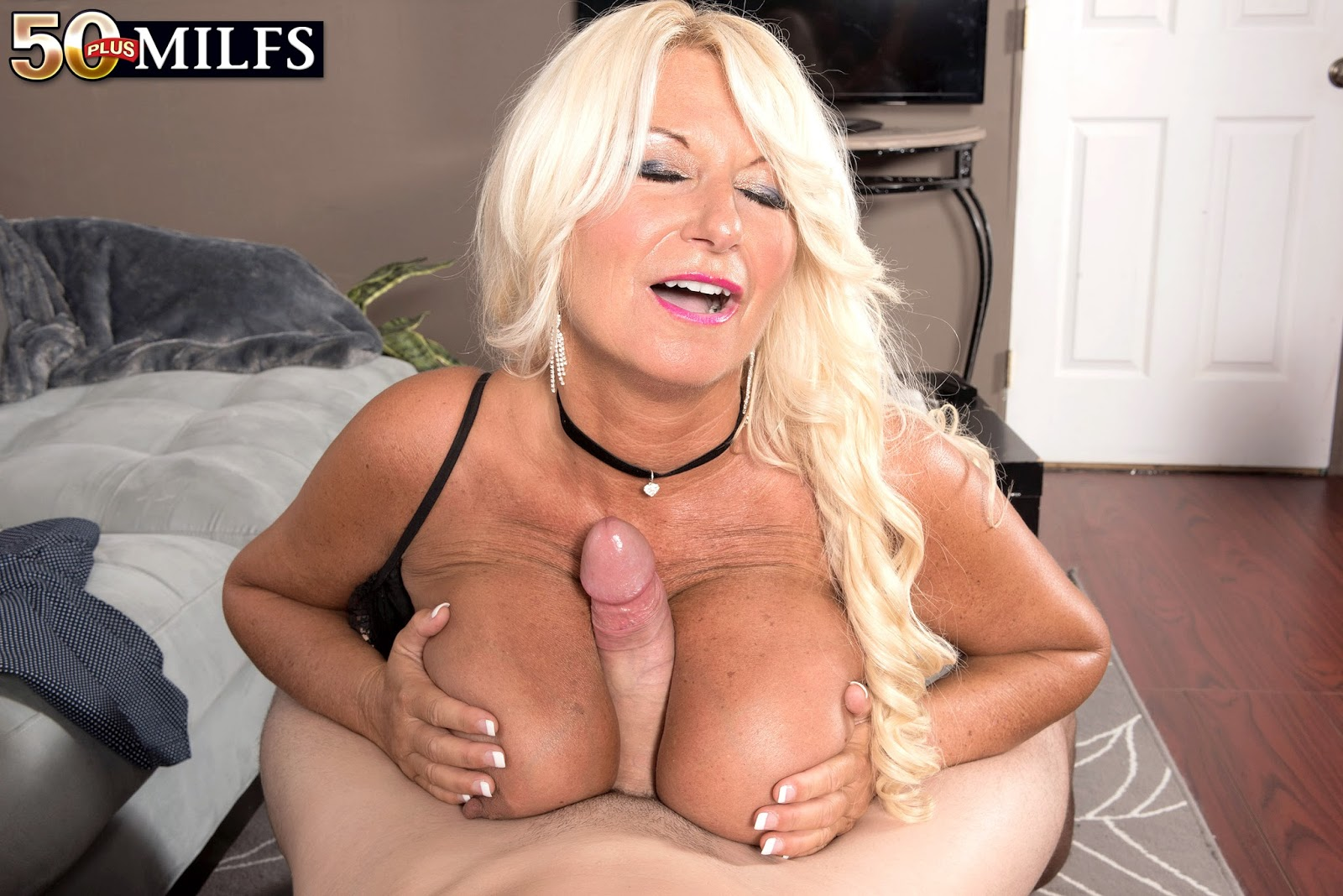 Briana banks blowjob and facial
