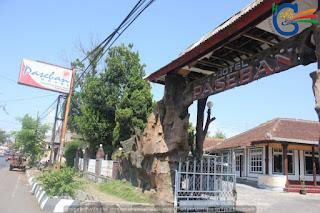 http://www.penginapandigarut.net/2013/07/daftar-hotel-melati-di-garut.html