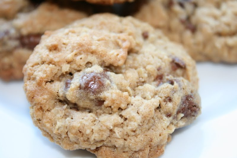 everything to entertain: Oatmeal Raisinet Cookies