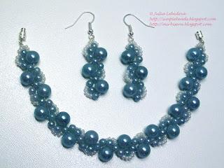 Beaded bracelet and earrings in marine blue colors