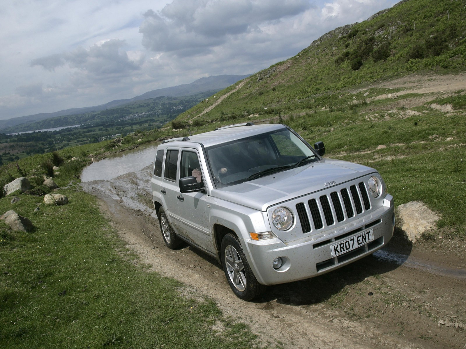 2009 jeep patriot photos. Black Bedroom Furniture Sets. Home Design Ideas