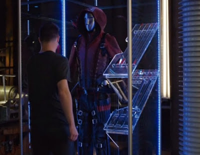 Roy Harper Colton Haynes red black Arsenal suit leather buckles laces hot sexy stuff photos pics screencaps Arrow
