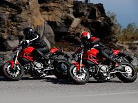Gambar Motor Ducati 2012 Monster 1100 EVO 1