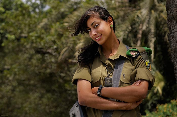 warhistory beautiful female soldiers of israeli defence forces
