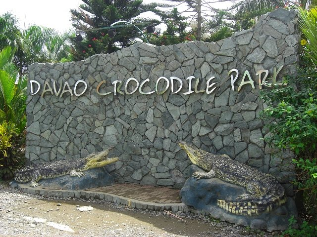 www.emmanuelalba.com | Davao Crocodile Park