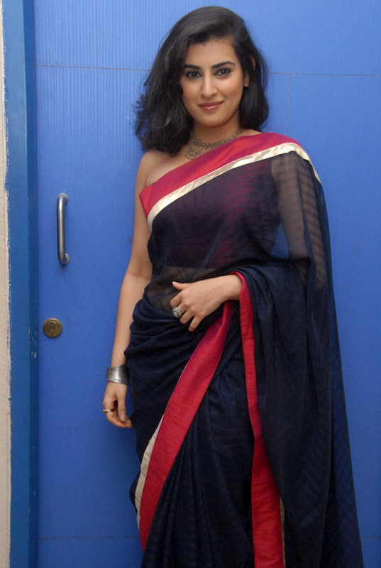 Veda Telugu Actress New Without Blouse Backless Saree Photos unseen pics