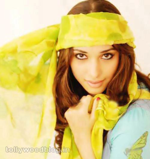 Tamanna Latest Cute Photos navel show