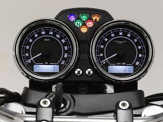 2013 Moto Guzzi V7 Classic motorcycle photos 5
