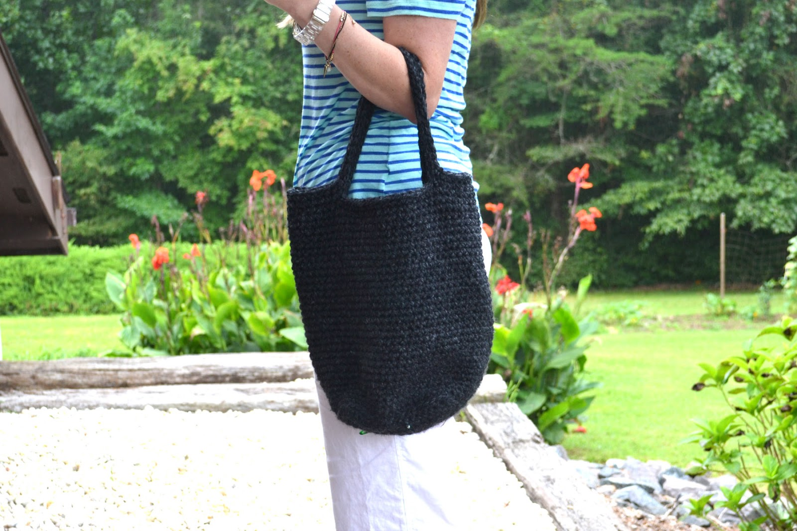 Chunky Crochet Tote Pattern : Crochet in Color: Chunky Crocheted Tote Pattern