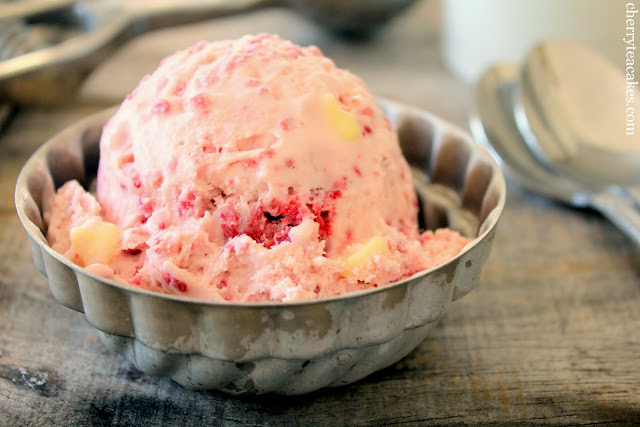 raspberry white chocolate chip ice cream recipe from cherryteacakes.com