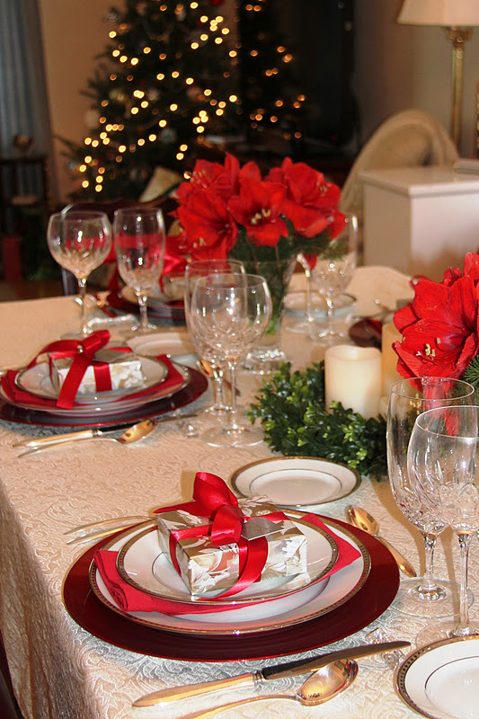 Stranded In Cleveland Christmas Table D Cor Amaryllis