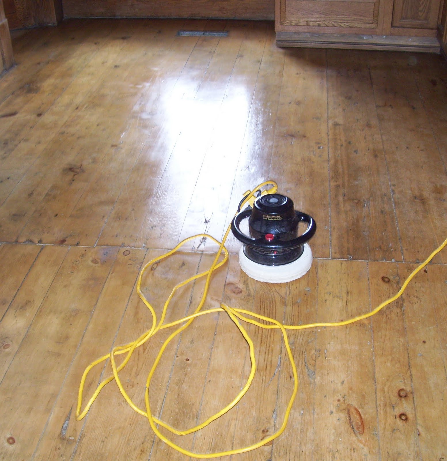 Wood floor polish 2015 home design ideas for Floor polisher