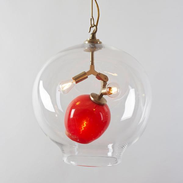 lampara de techo vidrio transparente y rojo