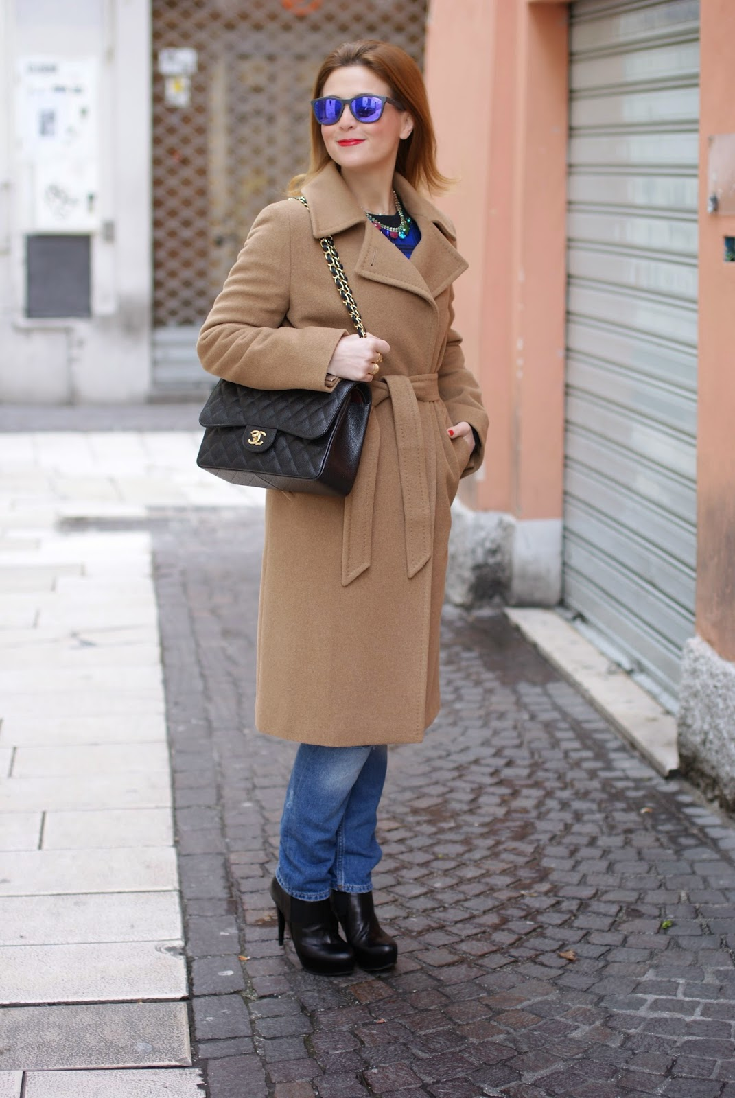 Max Mara cappotto cammello and Chanel 2.55 classic flap bag on fashion blogger Vale on Fashion and Cookies fashion blog