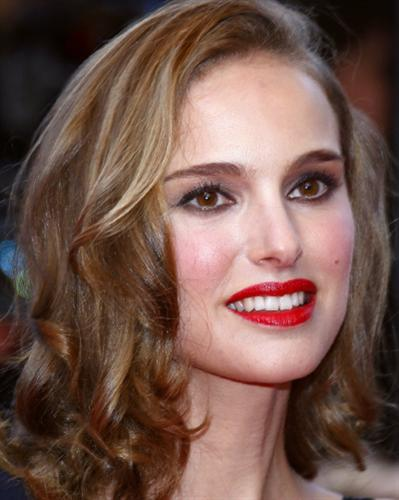 Natalie Portman Hairstyles Part 2
