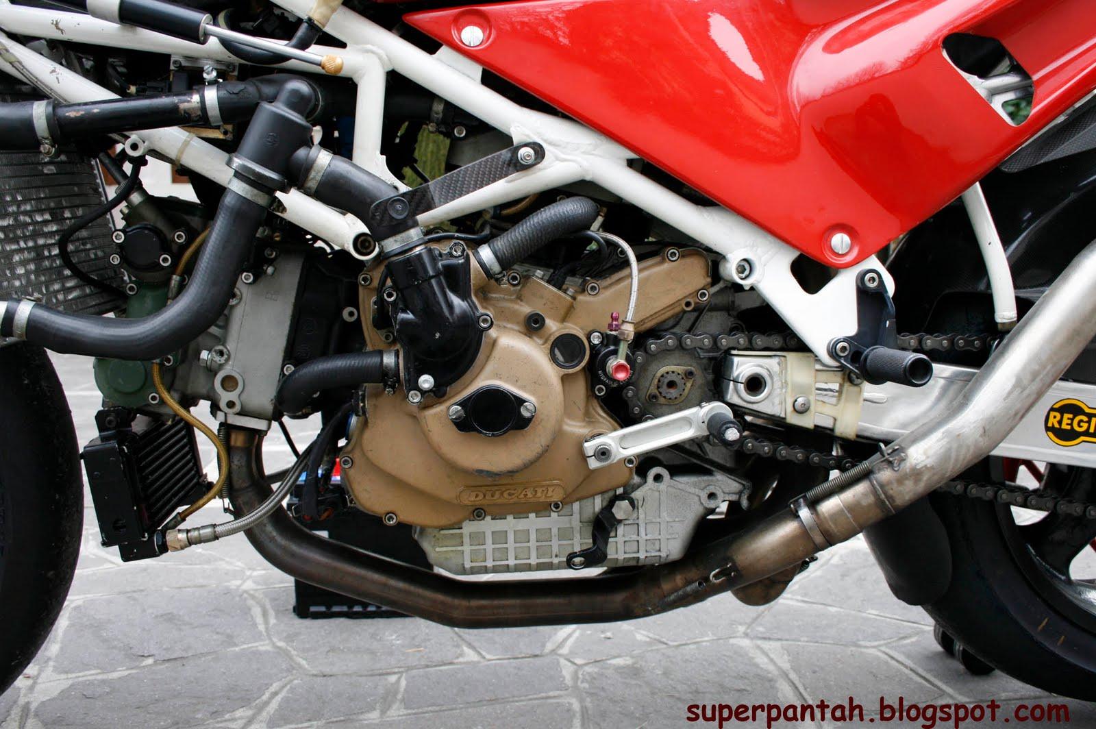 Ducati 851-888 - Page 2 888%2BRacing%2B%25288%2529