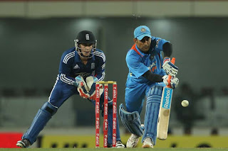 MS-Dhoni-3rd-ODI-v-ENGLAND-2013