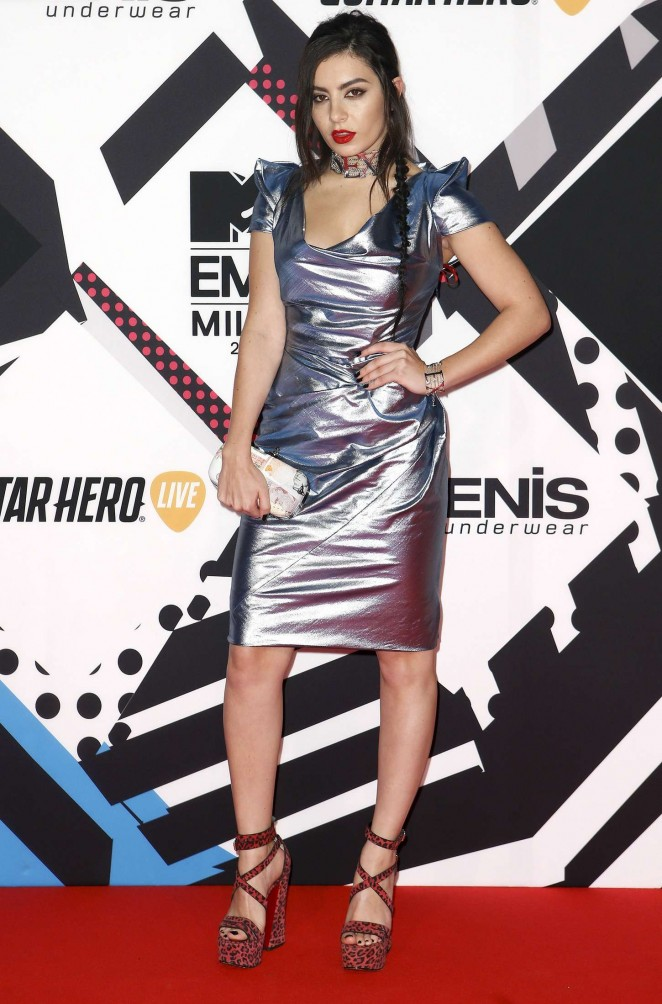 Charli XCX – MTV European Music Awards in Milan