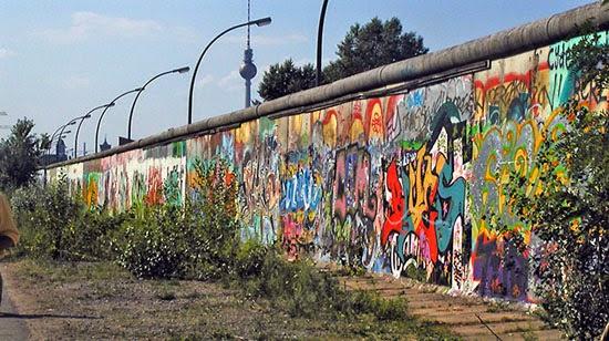 معلومات مصورة بالصور عن جدار برلين في المانيا و لماذا يحتفل به العالم 2014