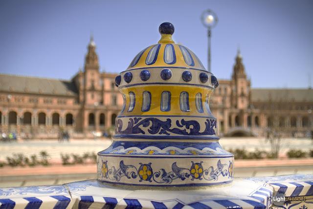 http://3.bp.blogspot.com/-VW0KQylzvuM/UK9rW9P7YeI/AAAAAAAAAJ4/75czuu-T8ag/s1600/Plaza+de+Espa%C3%B1a-Sevilla.jpg