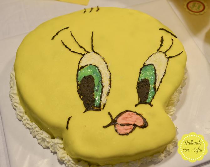 Torta TITTI ricoperta di pasta di zucchero
