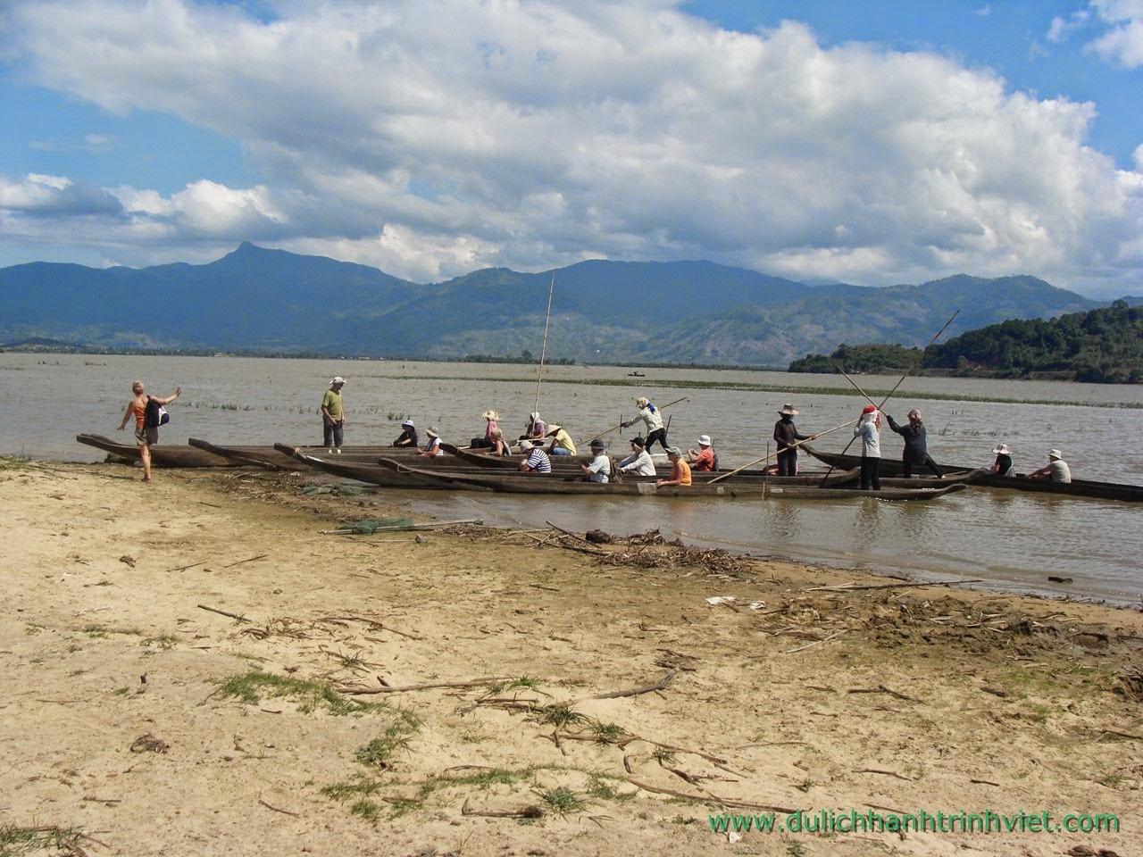 Tour cưỡi voi và khám phá văn hóa các dân tộc Tây Nguyên