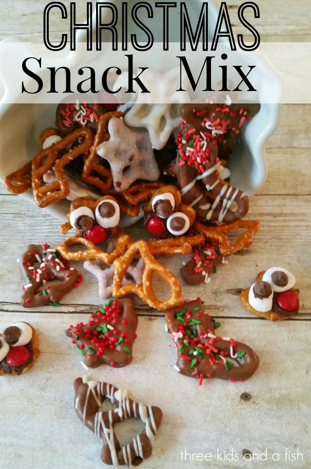 three kids and a fish: Christmas Snack Mix