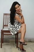 Ishika singh sizzling pics-thumbnail-14