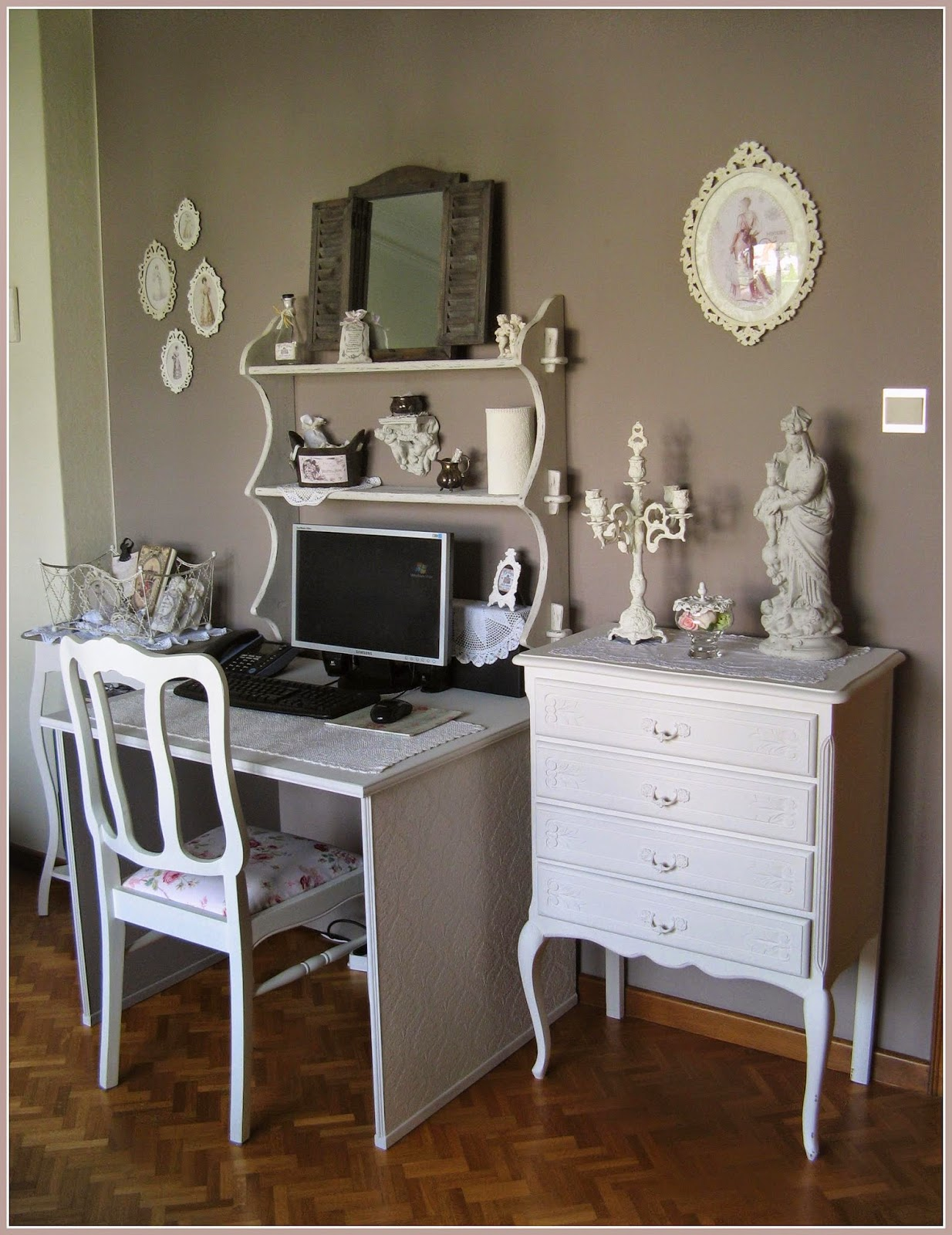 het knusse hoekje bureau shabby chic. Black Bedroom Furniture Sets. Home Design Ideas