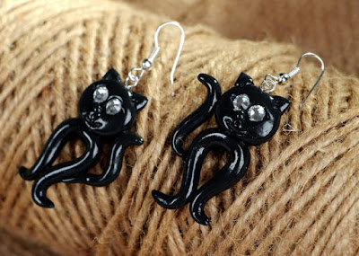 black cats earrings