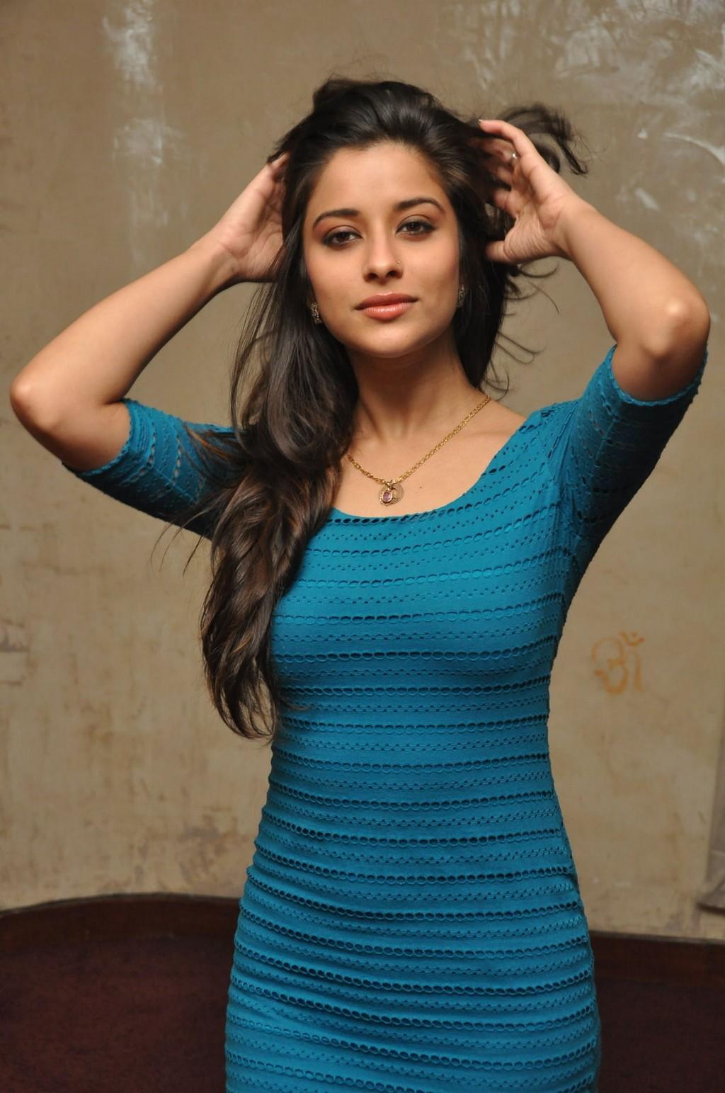 Telugu Actress Madhurima Hot photos at Fashion Run Show ...