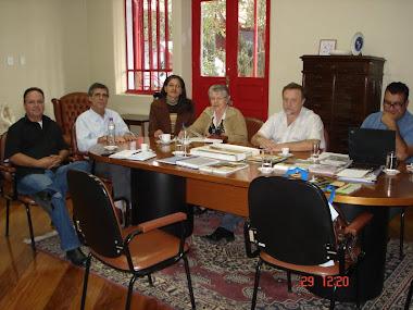 COMISSÃO DO MOV. PELA UNIFESP NA ZL REUNIDA NA SEDE DO MEC EM SÃO PAULO