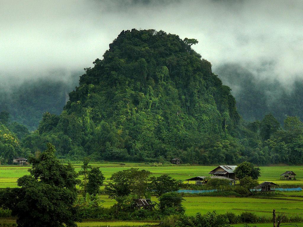 http://3.bp.blogspot.com/-VX7X3P8gS_E/TqKxGPUzUvI/AAAAAAAABXM/jvVr-oqy04g/s1600/peaceful-world-mind-calming-backgrounds-nature-pictures.jpg