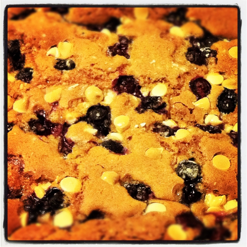 Happy Hubby Grub: Blueberry White Chocolate Blondies