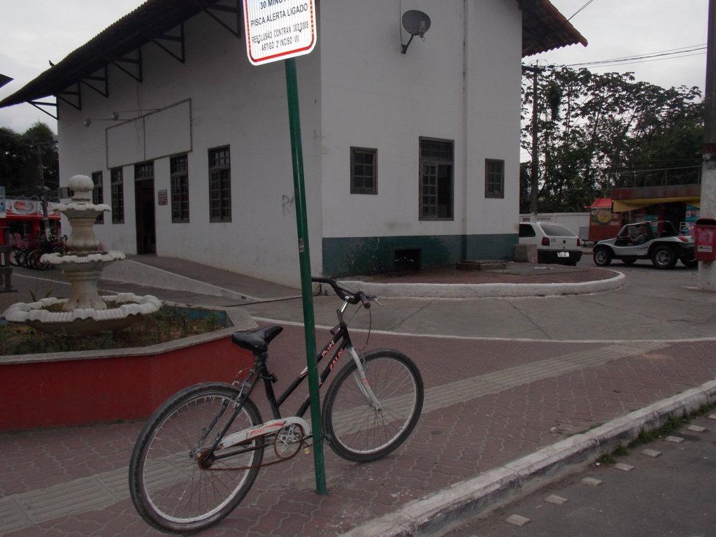 OBARÃO: FAVELÃO DE SEXTA FEIRA VOLTA A TER BANHEIROS QUÍMICOS #8E413D 1024 768