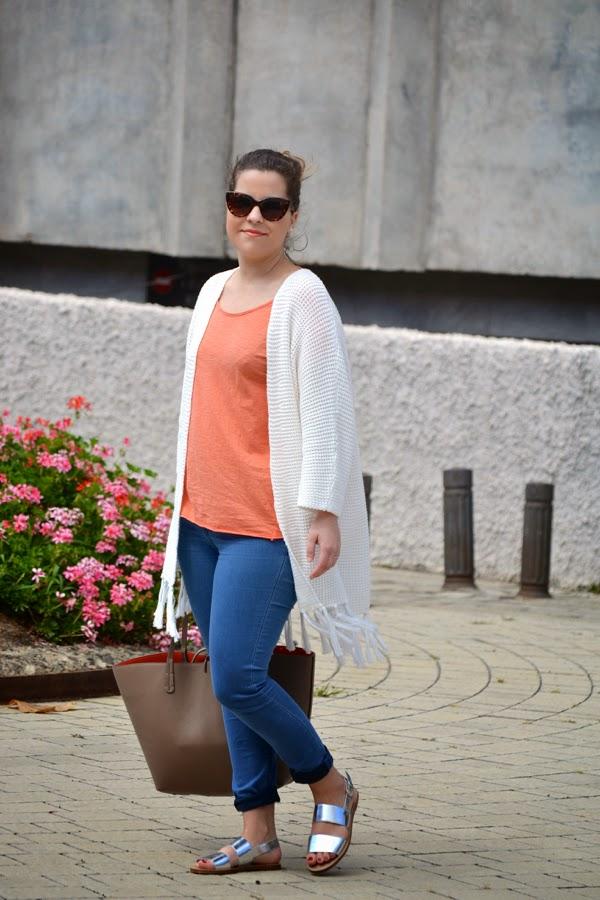look_outfit_kimono_flecos_sandalias_plateadas_lolalolailo_07