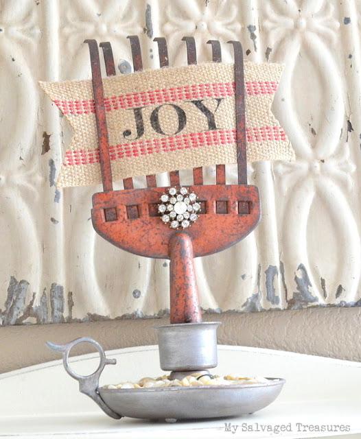 Christmas decor repurposed rusty rake JOY sign