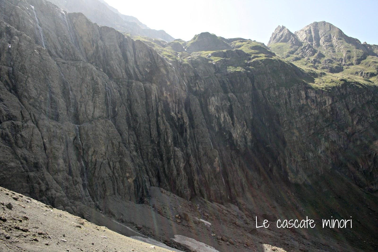 Di roccia sono cascate poco visibili perchè la portata d acqua d
