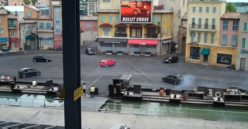 「ディズニー・ハリウッド・スタジオ」で行われるカースタントがすごすぎる!