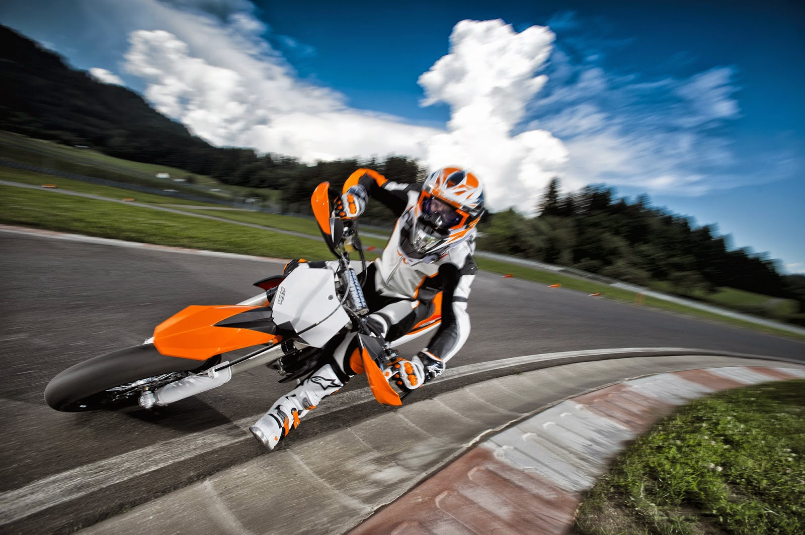 KTM 690 Supermoto Sports Bikes HD Wallpapers