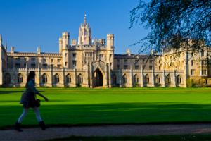 CV'nizi İngiltere'de Eğitim ile Güçlendirin