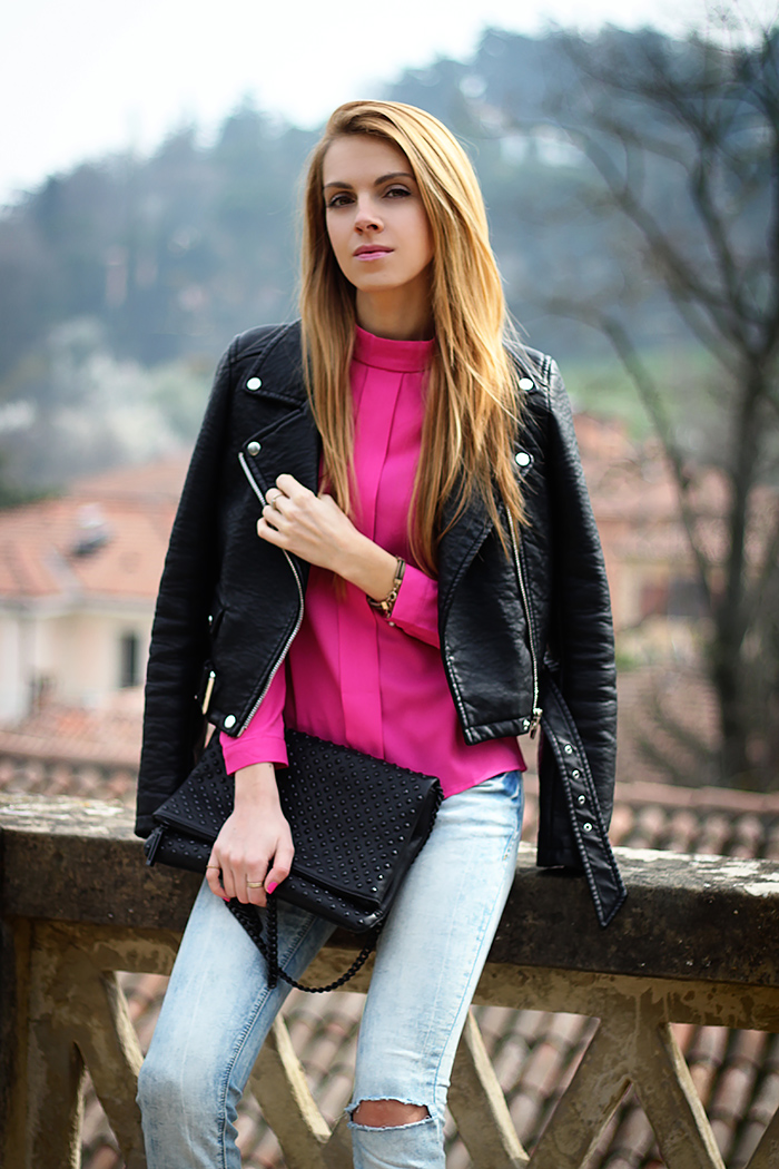 ripped jeans, pink blouse, biker jacket, spring outfit, 90s style