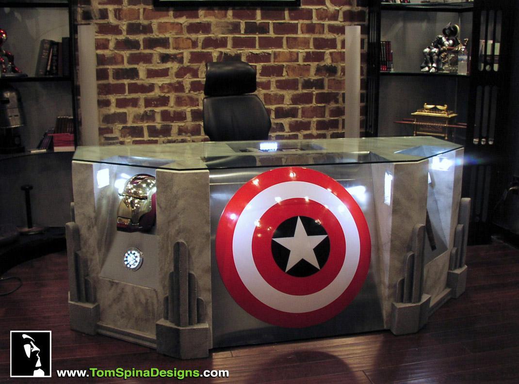 http://3.bp.blogspot.com/-VY2t6mbdPTY/TxQoLAcLUkI/AAAAAAAAKKU/pudUN0bRTIg/s1600/The-Avengers-Movie-Themed-Desk-1_1.jpg