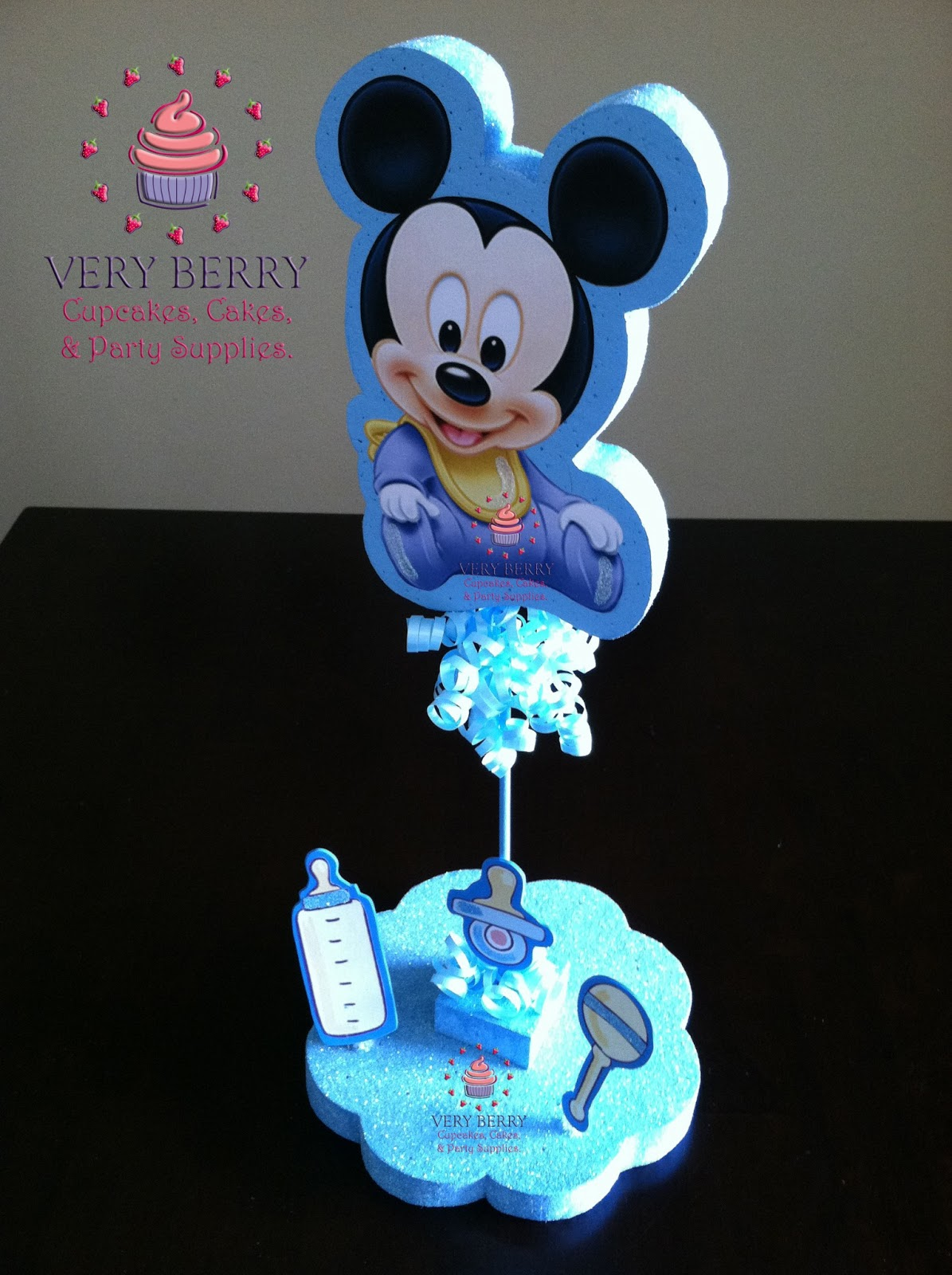 Baby shower ideas for boys themes - Veryberry Cupcakes Baby Mickey Center Pieces
