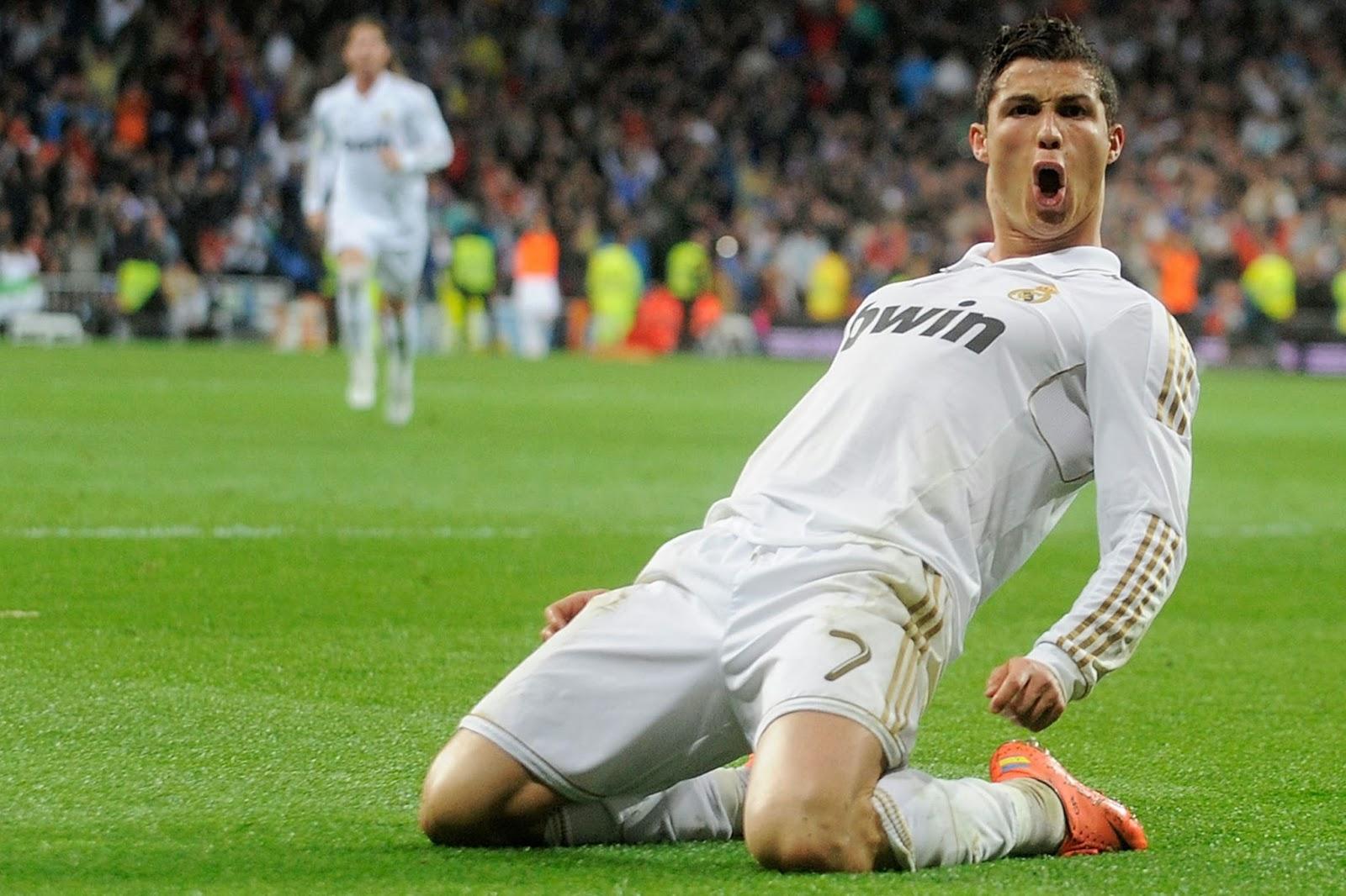 Cristiano Ronaldo (Balón de Oro) - Doblete contra el Schalke (0-3) y (0-6)