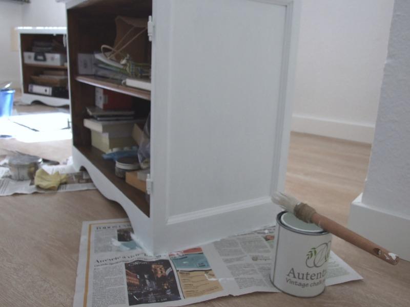 Decoestilo12 pintar los muebles del sal n con chalk paint for Modernizar salon muebles clasicos