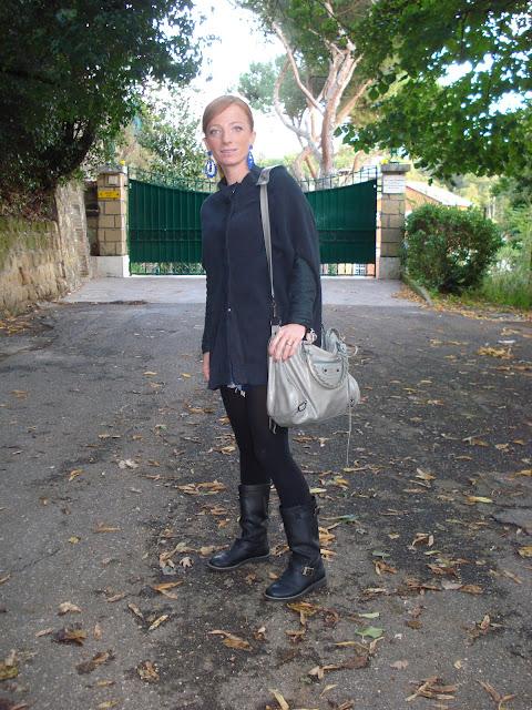 fashion blogger roma, topshop, poncho, mercantia orecchini, balenciaga velo, roma, sabato romano