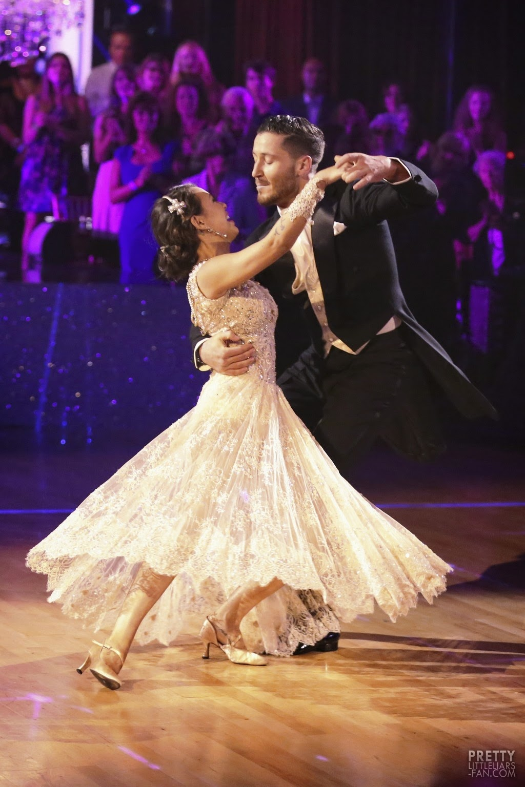 Is val hookup janel on dancing with the stars
